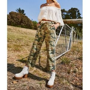 FREE PEOPLE remy camo green cargo pants 24